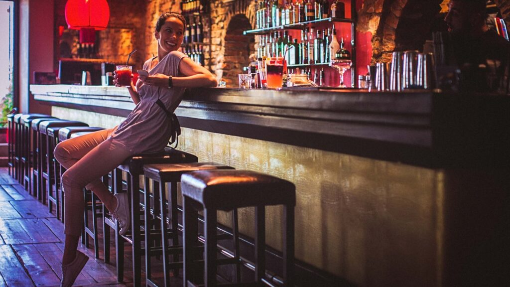 10 Cool Bars In Chelsea To Check Out In London